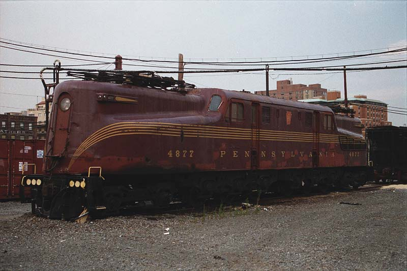 http://www.steamlocomotive.com/GG1/prr4877.jpg