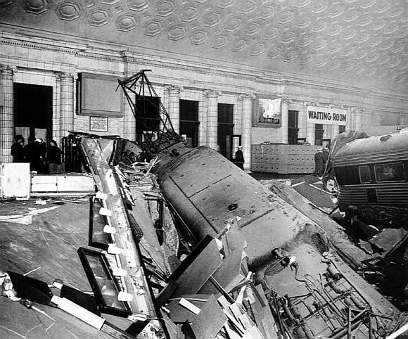 The Pennsylvania Railroad Gg1 The Crash Of Runaway Train 173